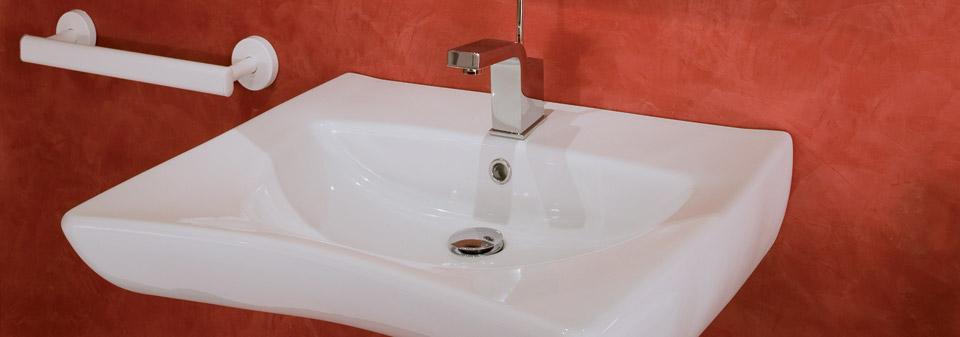 Contributi vasca con porta bagni disabili e anziani a trapani - Porta per bagno disabili ...