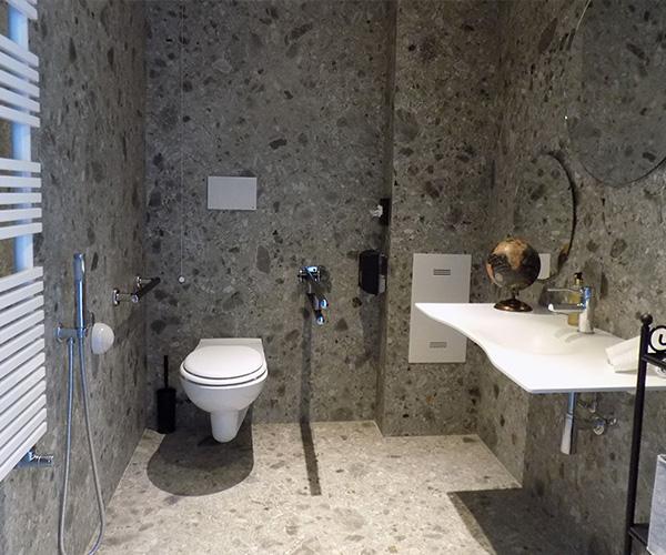 Realizzazione bagni accessibili per camere Hotel
