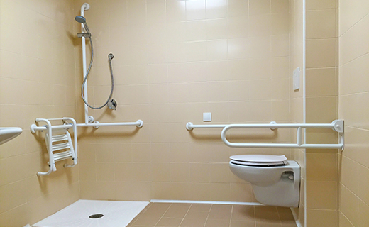 Progettazione e realizzazione bagni per RSA